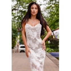 Кружевное платье с вырезом на спине